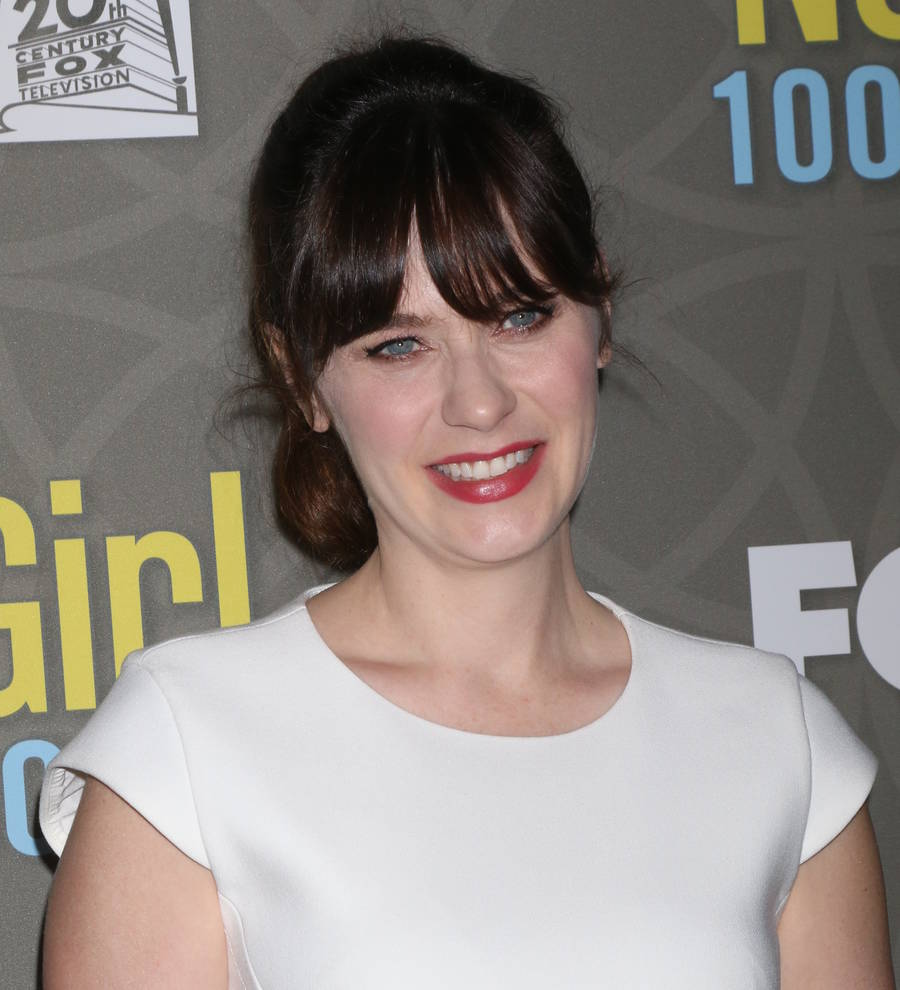 Young Hollywood | Zooey Deschanel to release second Christmas album