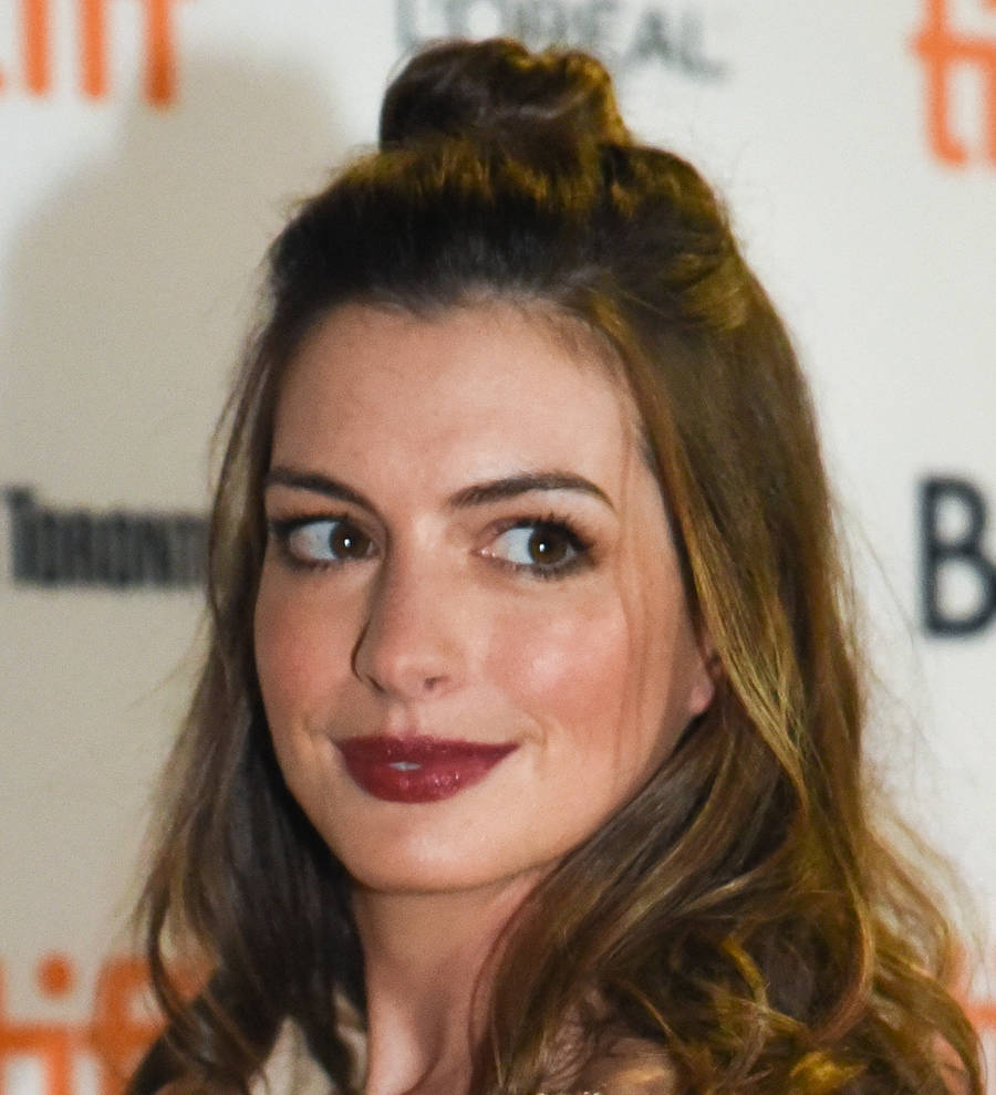Pregnant anne hathaway sparked colossal concern after tripping onset pregnant anne hathaway sparked colossal concern after tripping onset young hollywood publicscrutiny Gallery