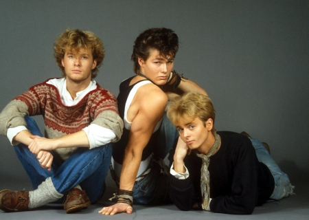 SUNDAY MUSIC VIDS: a-ha