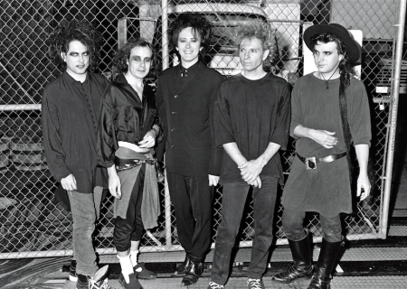SUNDAY MUSIC VIDS: The Cure
