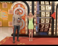 Spinning The Wheel on The Price Is Right Set